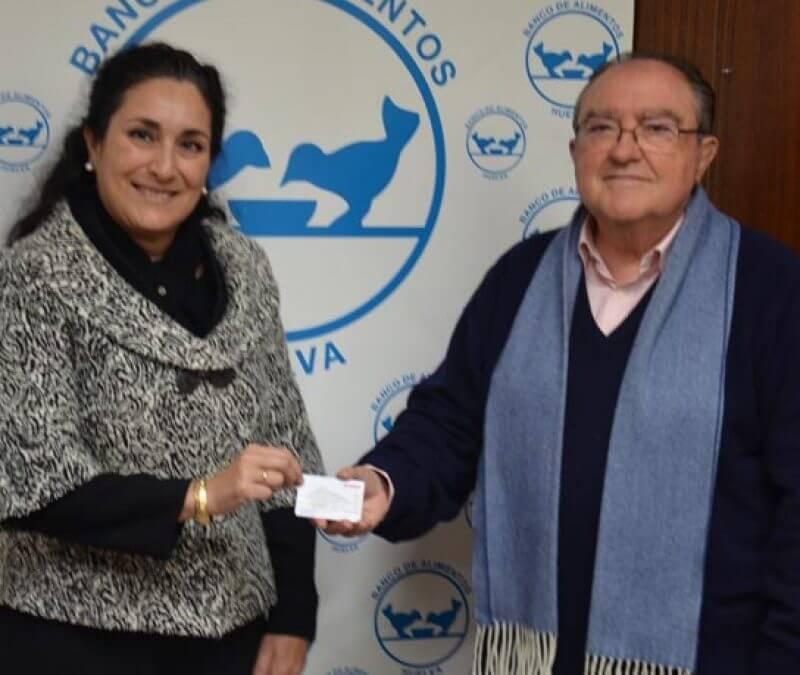 CEPSA entrega al Banco de Alimentos de Huelva 850 euros en bonos de gasolina