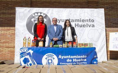 El Ayuntamiento recoge 450 kilos para el Banco de Alimentos de Huelva gracias a su campaña en polideportivos