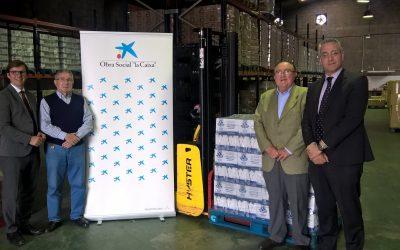 El BAH aumenta en 70.000 kilos su capacidad de almacenamiento gracias a una nueva apiladora eléctrica financiada por la obra social 'la Caixa'