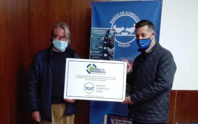 El Banco de Alimentos de Huelva recibe una donación del Colegio de Mediadores de Seguros de Córdoba, Huelva y Sevilla