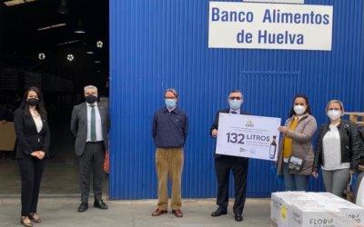 Los empleados del Grupo de Empresas de El Corte Inglés en Huelva donan 132 litros de aceite al Banco de Alimentos