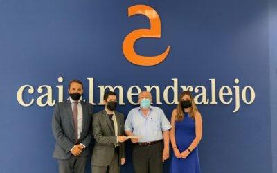 Cajalmendralejo colabora con el Banco de Alimentos de Huelva con la adquisición de una transpaleta para el almacén